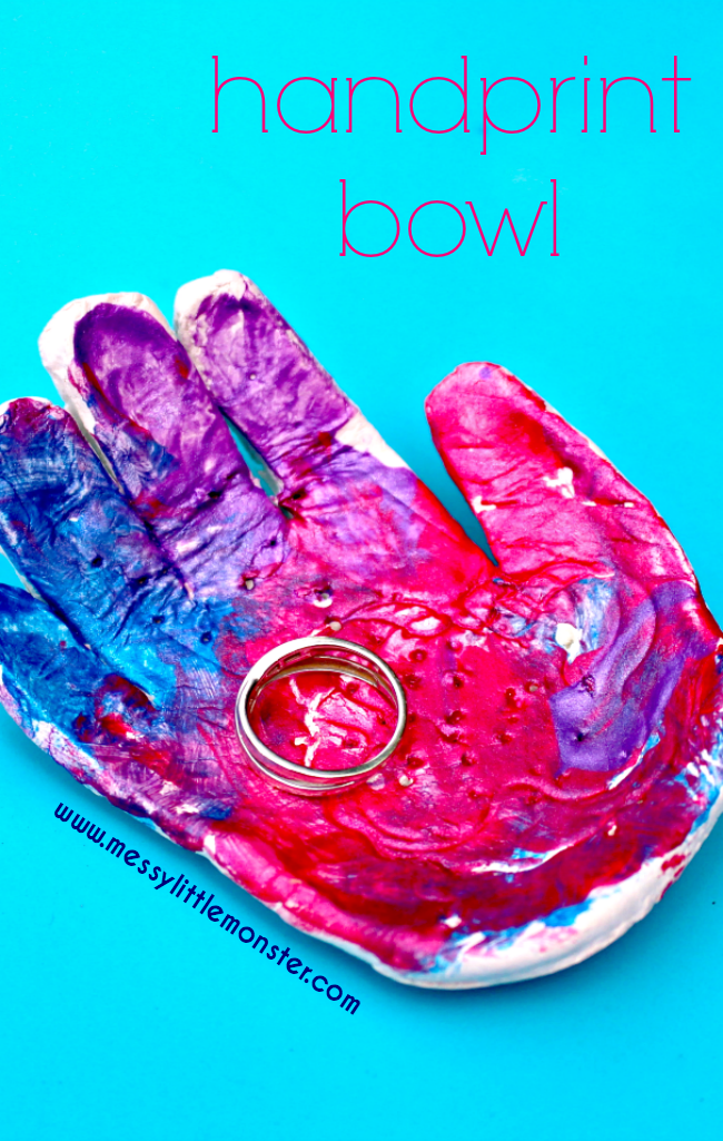 DIY clay handprint bowl keepsake. An easy kids craft using air dry clay. This ring dish is a great kid made gift idea from toddlers and preschoolers that is perfect for Mother's Day, Fathers Day or Christmas.