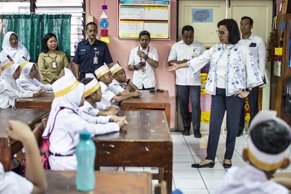 Sri Mulyani Ngaco, Sembako Harusnya Disubsidi dan Pendidikan Gratis, Bukan Dipajaki!