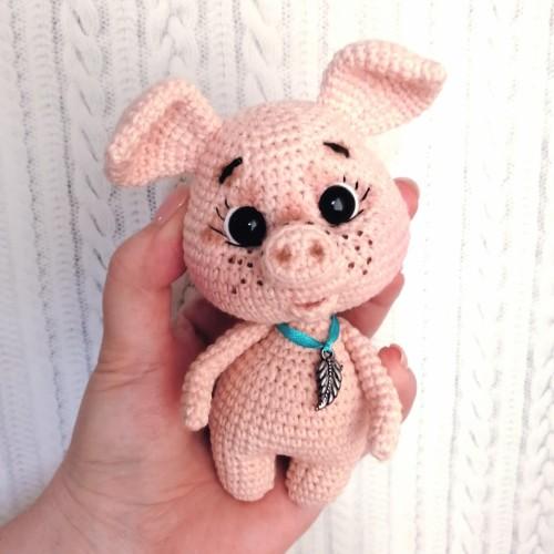 Amigurumi sweet pig free pattern | Amiguroom Toys | 500x500