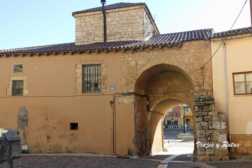 Puerta de la muralla, Torrelobatón