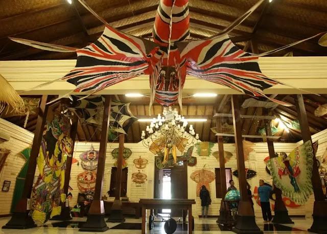 Traveling ke Museum Layang-Layang