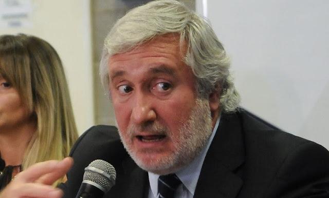 Denuncian al procurador Conte Grand por presunto armado de causas