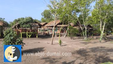 Wisata Pantai Keluarga di Purnama Dumai.