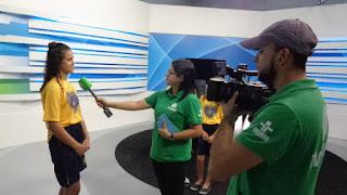 Crianças da LBV em CG visitam e homenageiam TV Itararé pelo Dia da Televisão