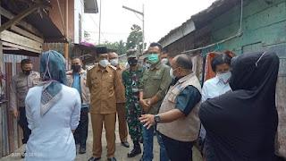 Hasbi Anshory dan H.Bakhtiar Memberikan Bantuan Sembako