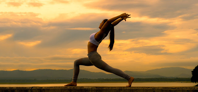 Latihan Yoga Dengan 12 Langkah Matahari untuk Menjaga Kesehatan