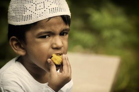 Ramadan ; Melatih Kepekaan dan Kepedulian Terhadap Kaum Dhuafa