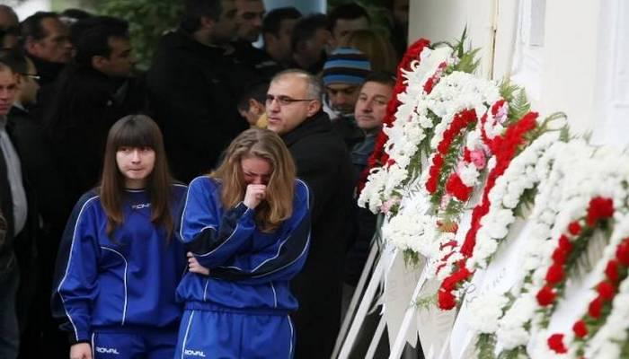Άργος: Σκότωσε την 10χρονη αδερφή του και αυτοκτόνησε – Συγκλονίζει το οικογενειακό δράμα στο φλεγόμενο διαμέρισμα