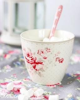 http://www.skanditrend.hu/decoration/porcelan-bogre-vilma-vintage/