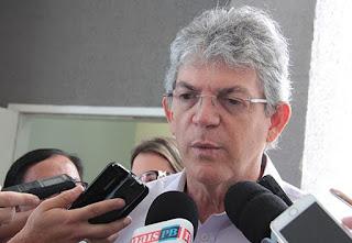Ex-governador Ricardo Coutinho cortou R$ 251 milhões da UEPB, revela relatório