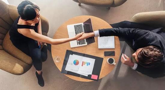 Startup vai pagar até R$ 2 mil por indicações de profissionais em TI