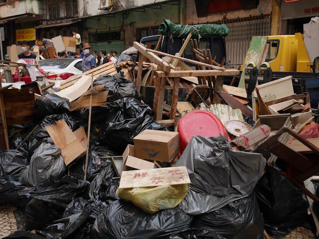 Pile of trash on Rua da Tercena