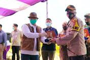 Kapolres Pandeglang Dampingi Dirut Perum Bulog Panen Raya di Desa Rancaseneng Cikeusik
