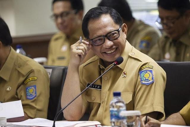 Mendagri Tito Fokus Pemilihan Langsung, Pengalihan Isu?