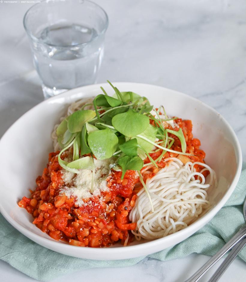 fruchtige Linsen-Bolognese mit Spaghetti