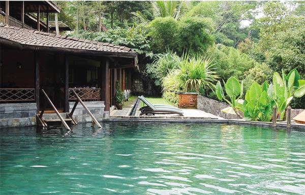 kolam renang di losari