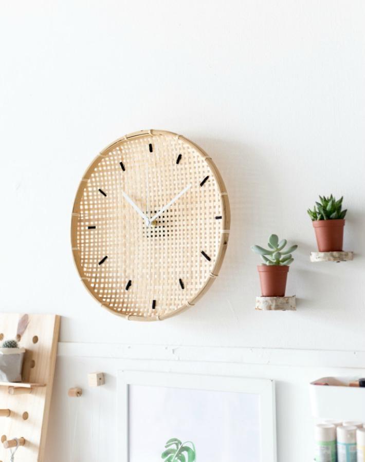 Decoraci n f cil diy reloj con una cesta ikea para el pan - Mecanismo reloj pared ikea ...