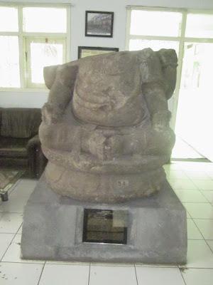 Travel Malang Blitar, Museum Mpu Purwa, 0822-333-633-99, Travel Blitar Malang