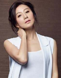 pemain the world of the married - Kim Hee-Ae pemeran Ji Sun-Woo
