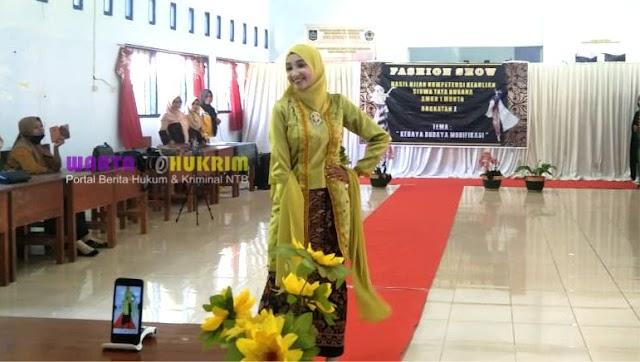 SMKN 1 Monta Gelar Fashion Show Kebaya Karya Siswa Tata Busana