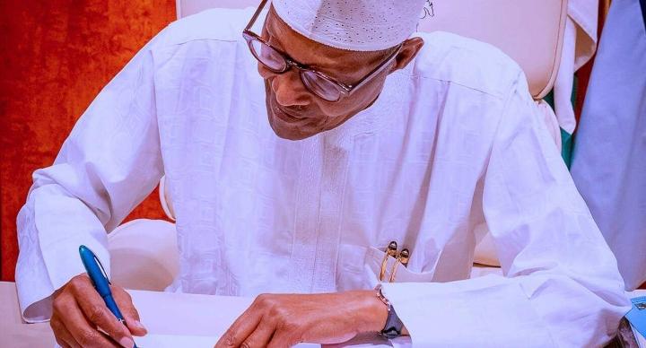 Da Dumi-Dumi: Buhari zai sallami wasu karin ministocinsa