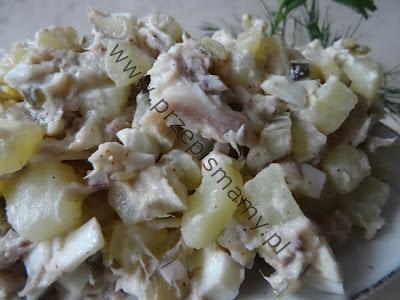 Sałatka z makreli i ziemniaków