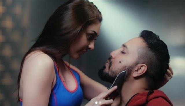 Shefali Jariwala ने मीका सिंह के साथ शेयर की तस्वीर, गाल में चाकू लगाकर लिखा ' मार दिया जाए या...