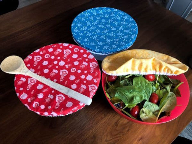 Learn how to make fabric bowl covers to keep food fresh in the fridge. Tutorial by Beginner Sewing Projects