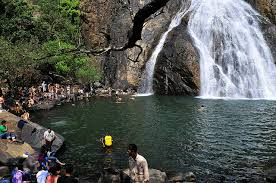 Bathing at Dudhsagar falls
