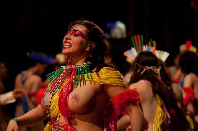 Nude performance art