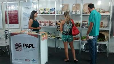 DELMIRO GOUVEIA: APLs comercializam produtos em feira de negócios