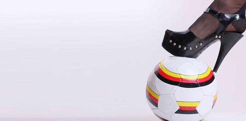 mulher gosto futebol - tropa do batom
