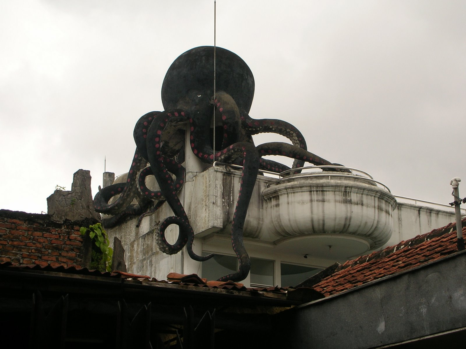 Misteri Rumah Gurita di Bandung Konon Banyak Setan