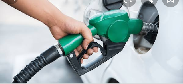 Nigerians express shock over recommendation by Governor's forum to place petrol price at N400/liter.