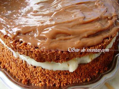 Bolo prestígio pelado - Naked cake prestígio