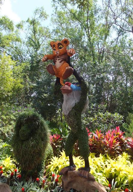 EPCOT Topiary The Lion King Simba and Rafiki