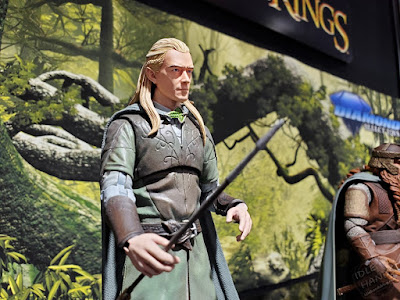 Diamond Select Lord of the Rings Action Figures Legolas