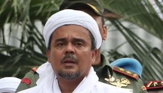 Baliho Besar Terpampang di Jalan, Siap Menyambut Kepulangan Habib Rizieq Shihab