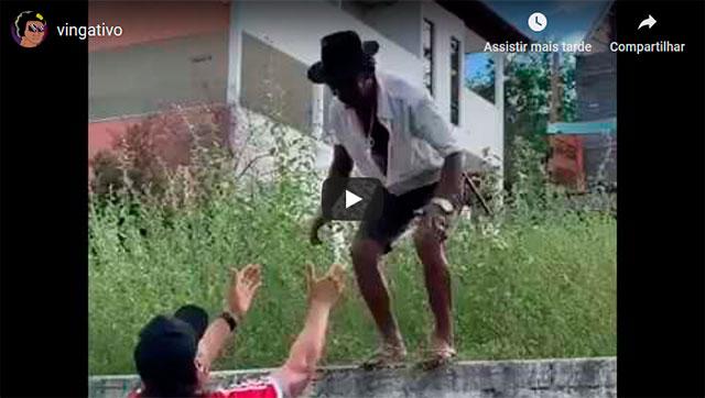https://www.ahnegao.com.br/2019/06/seu-geraldo-foi-enganado-pelos-amigos-se-revoltou-e-se-vingou-de-maneira-muito-cruel.html