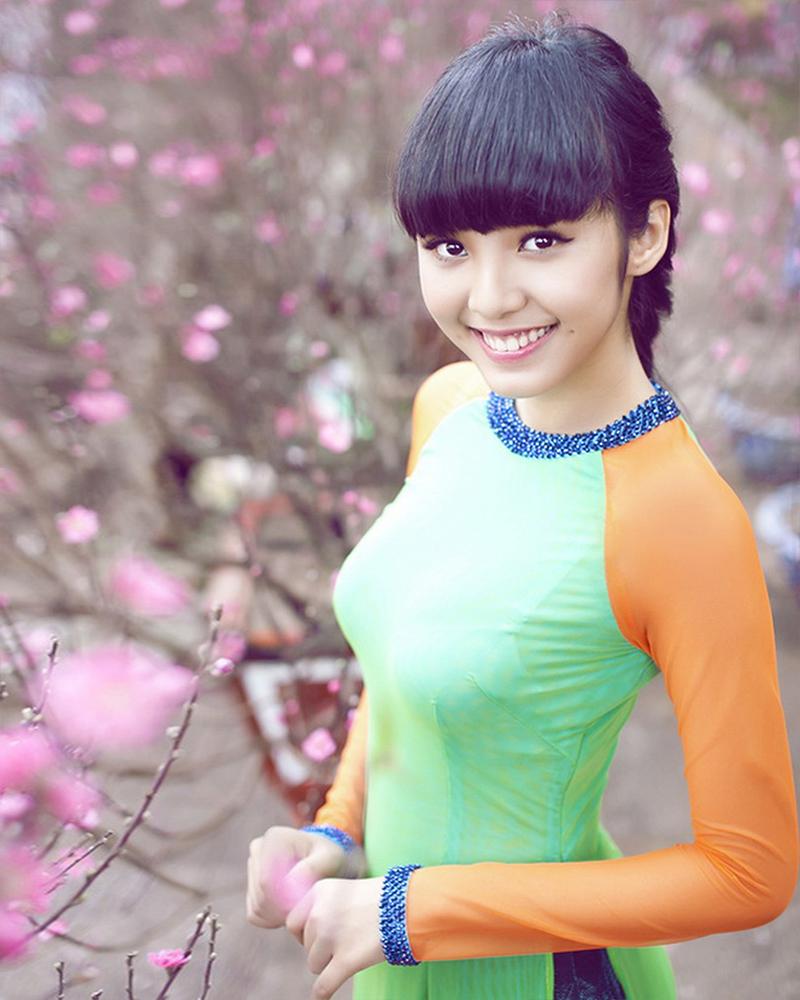 cewek manis dan seksi imut Le Hoang Bao Tran