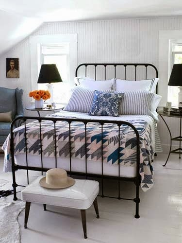 Habitacion con cama de forja negra 135 150 cm