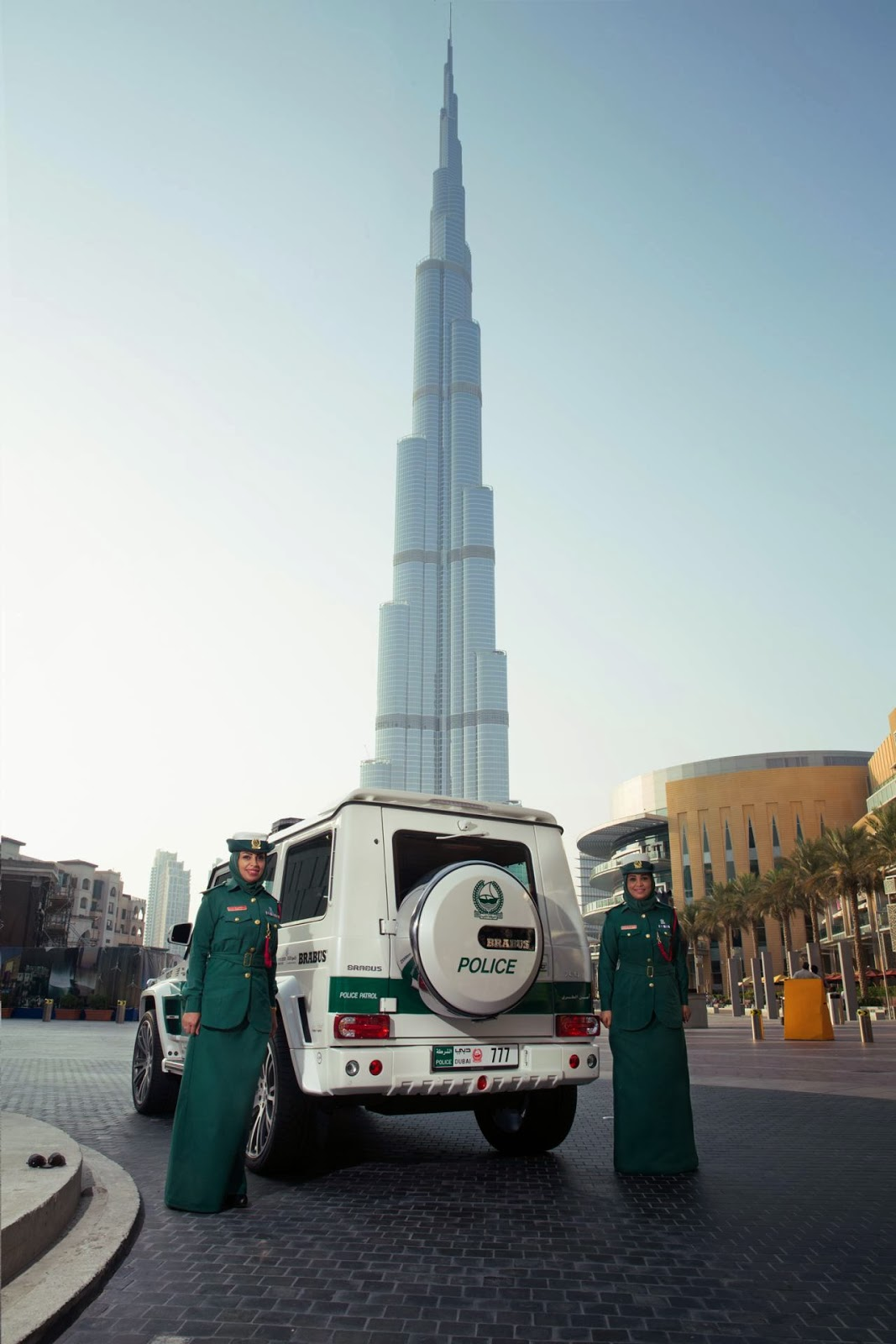 Brabus G Wagon >> New SUV for Dubai Police   Brabus Mercedes G63 AMG - cars ...