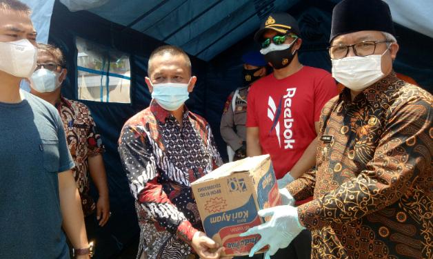 Wabup Ami Taher Tinjau dan Salurkan Bantuan Kebakaran di Muara Semerah Mudik