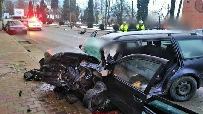 Accident rutier în centrul municipiului Vatra Dornei cu o persoană decedată și trei rănite