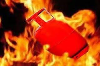 मढ़ौरा के यादोराहिमपुर में सिलेंडर में लगा आग, भगदड़