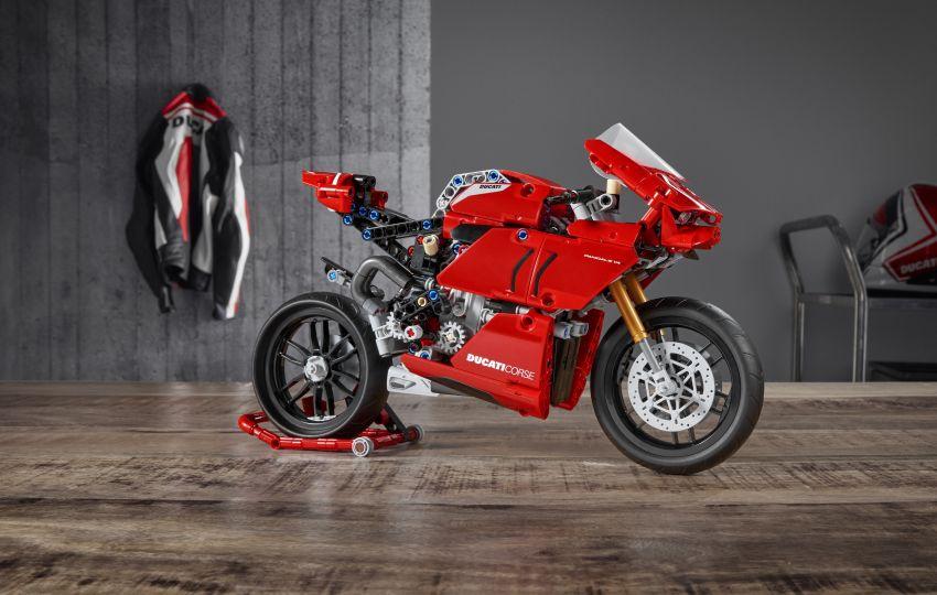 Chi tiết Ducati Panigale V4R phiên bản Lego - hộp số 2 cấp, giá 65 USD