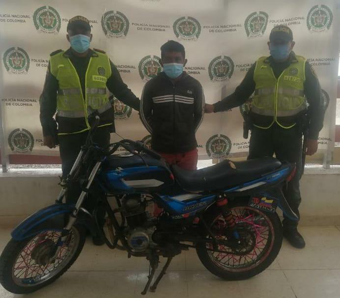 https://www.notasrosas.com/Arrestado en Manaure, por el Delito de Receptación