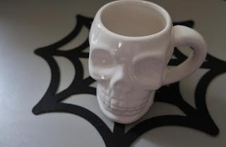 Inspiracje na Halloween kubek czaszka z tigera
