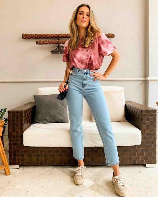 Mom jeans e tshirt tie dye