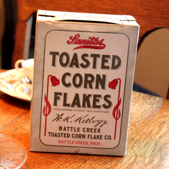 Sanitas Toasted Corn Flakes, first package 1906
